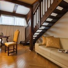 Charles Bridge Palace Praha 37104686