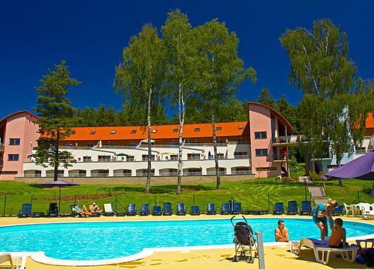Lipno-Lake-resort-3