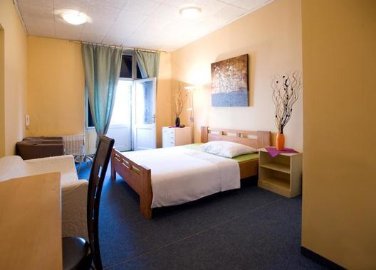 Club-Hotel-Praha-8