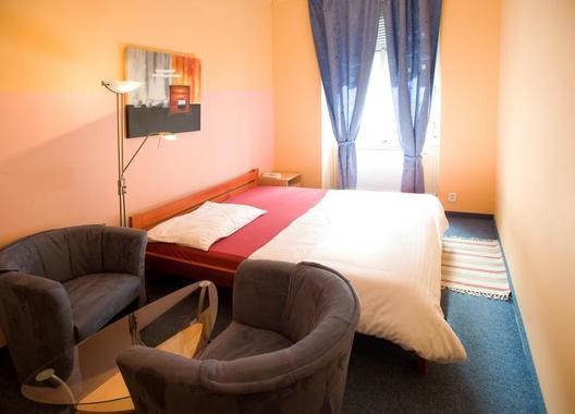 Club-Hotel-Praha-3