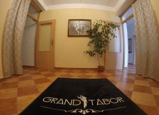 Hotel-Grand-Tábor-2