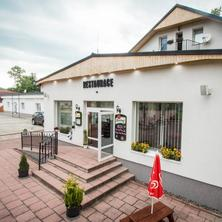 Restaurace přední vchod