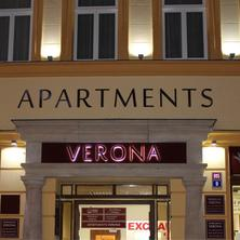 Apartments Verona Karlovy Vary at night