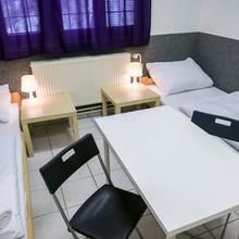 Hostel Seven Praha 43369166