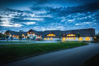 Modrá-Hotel Skanzen