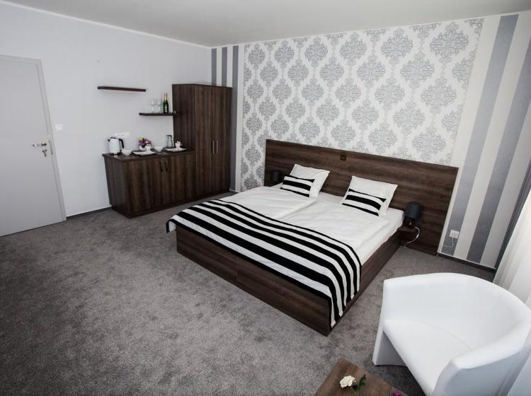 Manželská postel-lzerozdělit