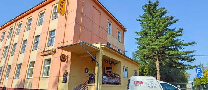Hotel Hůrka Pardubice 1122666300
