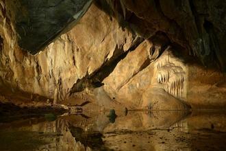 Dobrodružství v jeskyních aneb Rudické propadání-Hotel Skalní mlýn