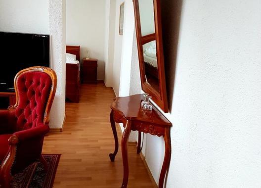 HOTEL-UNION-LOUNY-4