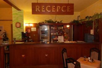 Restaurace a hotel Korunní Princ Turnov 42530544