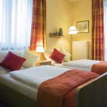 Hotel PAVILON Říčany 45962078