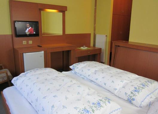 Hotel-U-Přehrady-3