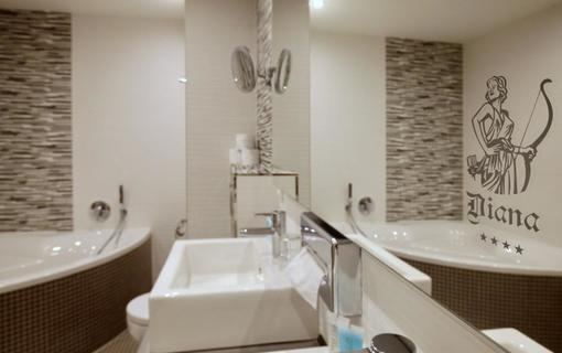 SPA HOTEL DIANA Koupelna Apartmá de Luxe, SPA HOTEL DIANA, Františkovy Lázně