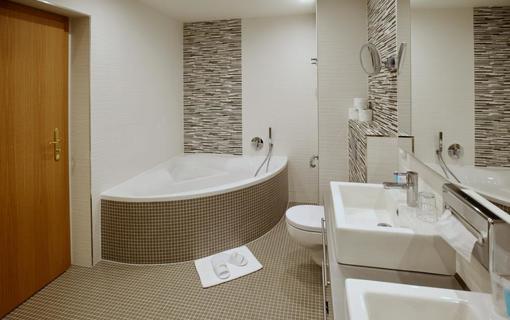 SPA HOTEL DIANA Apartmá de Luxe - koupelna SPA HOTEL DIANA, Františkovy Lázně