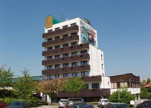 Hotel-Oáza-1