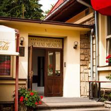 Parkhotel Skalní město Holín 39869576