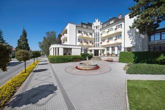 Lázeňský hotel Grand Lázně Bělohrad