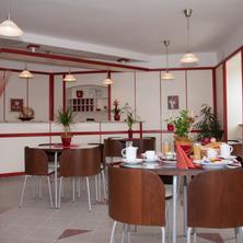 Hotel Ostrov Garni Sadská 33294084