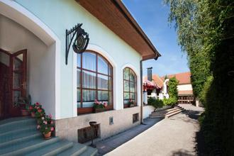 Hotel Napoleon Slavkov u Brna 43845738