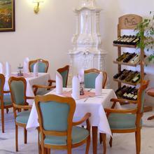 Hotel Zámeček Jetřichovice 44845550