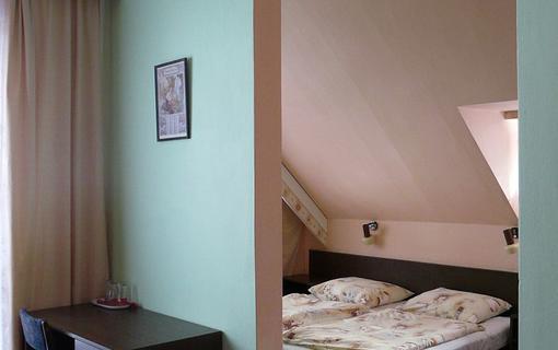 Hotel Mesit Třílůžkový pokoj