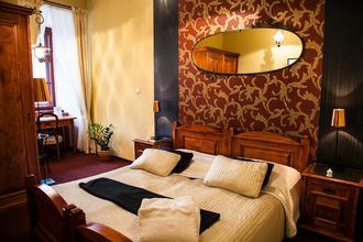 Hotel Morris -Česká Lípa-pobyt-Třídenní ROMANTICKÝ POBYT s privátní vířivkou se sektem pro 2 osoby