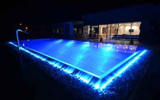 HOTEL AURA PRAHA design & garden wellness pool 1154287679