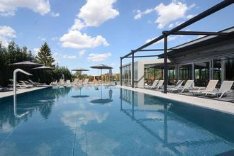 HOTEL AURA PRAHA design & garden wellness pool Praha 741044078