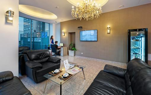 HOTEL AURA PRAHA design & garden wellness pool Lobby