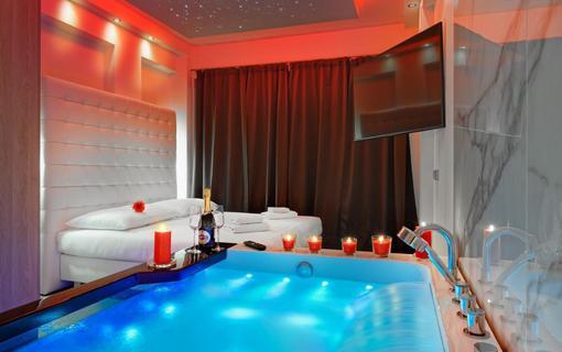 HOTEL AURA PRAHA design & garden wellness pool Wellness