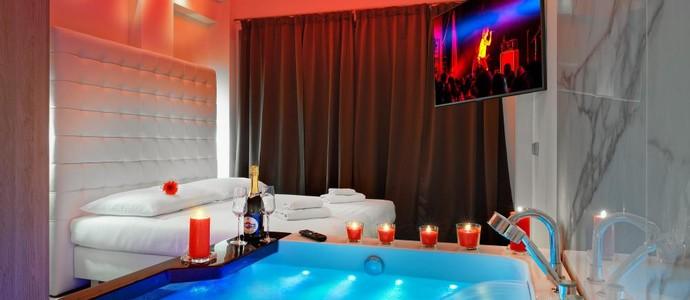 HOTEL AURA PRAHA design & garden wellness pool-Praha-pobyt-Luxusní pobyt s vířivkou na privátní terase