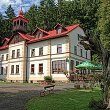 Hotel Pod šikmou věží Holín 41787628