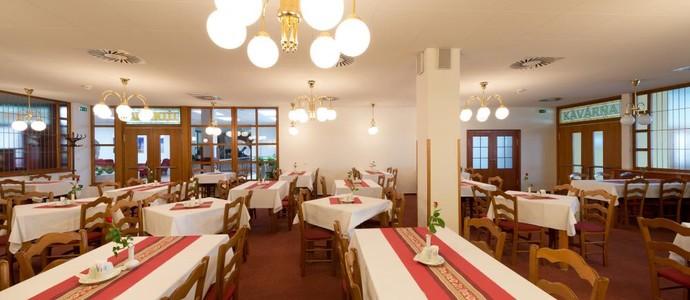Hotel Svratka 1112600012