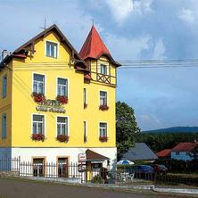 letní foto hotelu