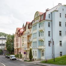Hotel Astoria Jáchymov 49435788