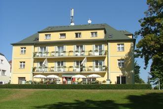 Konstantinovy Lázně-Lázeňský hotel Jirásek