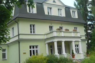 Konstantinovy Lázně-Lázeňský dům Purkyně