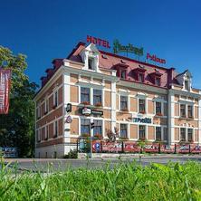Romantický večer v luxusně vyzdobeném pokoji v Pytloun Hotelu*** Liberec