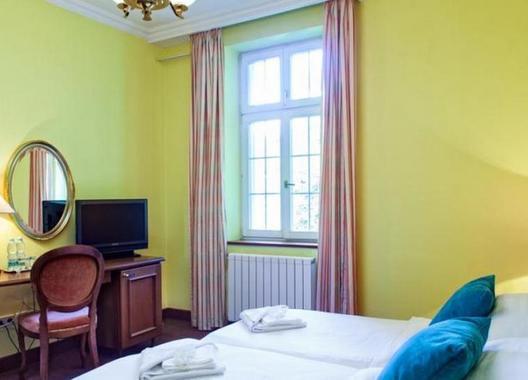 Hotel-Villa-Ostrava-3+-8
