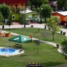 Chatová osada Family Resort -Patince-pobyt-Rekreační pobyt