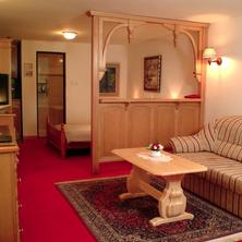 Hotel No.16 Bratislava 33641448