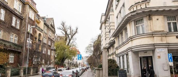Elisabeth Old Town Bratislava 1134981769