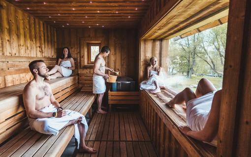 Aparthotel & Wellness Knížecí cesta Prohřátí ve finské sauně s přátely