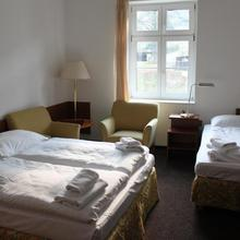 Hotel Skála Malá Skála 42375052