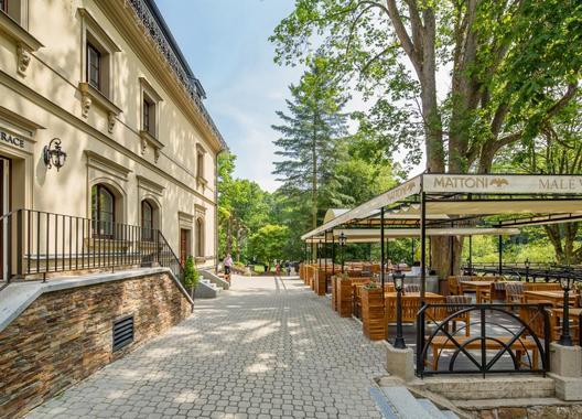 Male-Versailles-Hotel-&-Restaurant-13