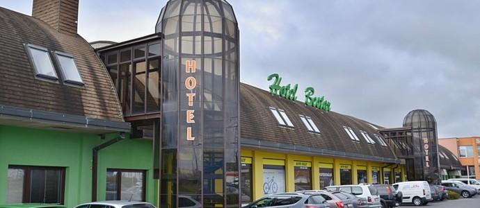 Hotel BESTAR Kosmonosy