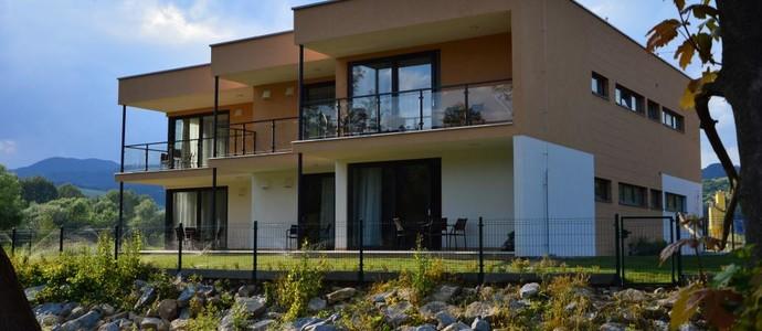 Apartmánový dom Kriváň Bešeňová