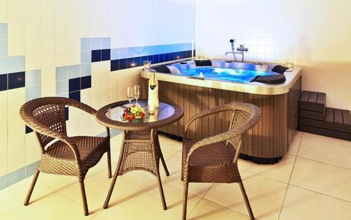 Hotel Flora Balneo 1156433977