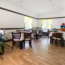 Hotel Hubertus Karlovy Vary 33676158