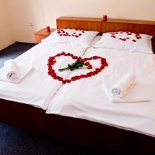Horský hotel Eva Svätý Jur 33678216